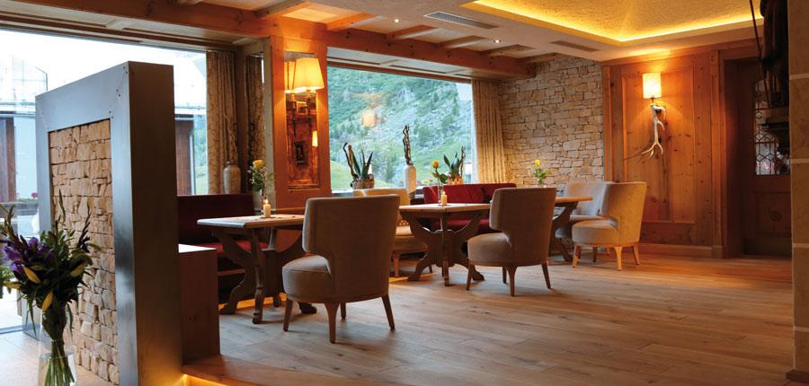 Austria_Obergurgl_Hotel_Weisental_lounge.jpg